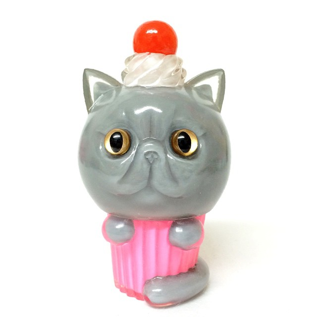 NEWリフレッシュメントソフビ エキゾチックショートヘアxカップケーキ DesignFesta Booth:G423 exoticshorthair cupcake new refreshmenttoy sofubi