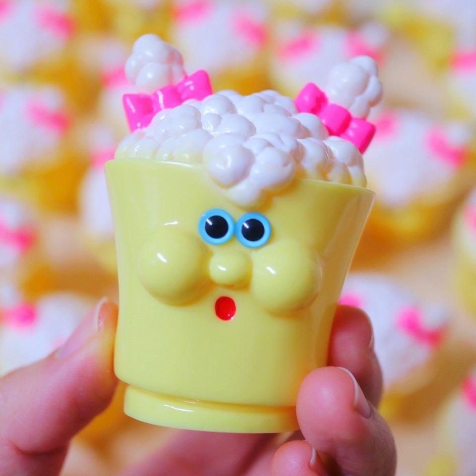refreshment toyのソフビ塗装作業(ハンドペイント)