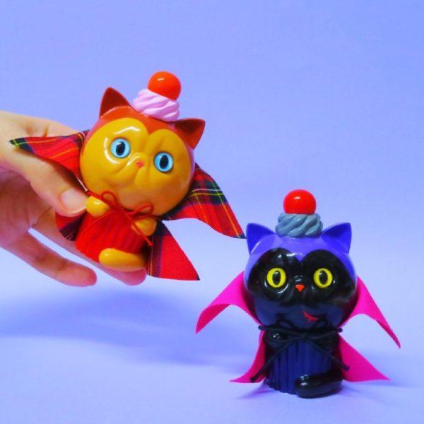 vampire cat vinyltoy